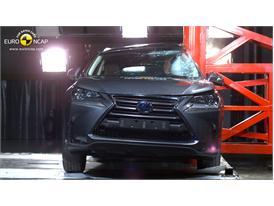 Lexus NX - Pole crash test 2014