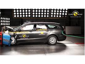 Ford Mondeo  - Frontal crash test 2014