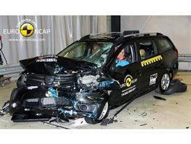 Dacia Logan MCV - Frontal crash test 2014 - after crash