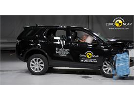 Land Rover Discovery Sport  - Frontal crash test 2014