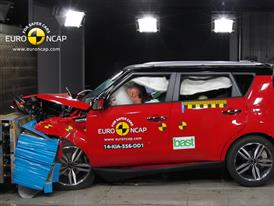 Kia Soul  - Frontal crash test 2014