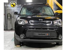Kia Soul - Pole crash test 2014