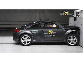 Audi TT - Frontal Full Width test 2015