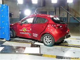 Mazda 2 - Pole crash test 2015 - after crash