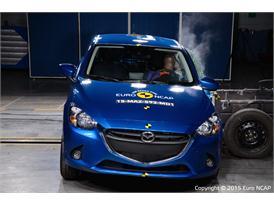 Mazda 2 - Side crash test 2015