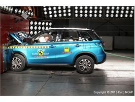 Suzuki Vitara - Frontal Full Width test 2015
