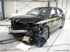 Audi Q7 - Frontal Offset Impact Test 2015 - After Crash