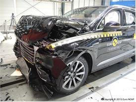 Audi Q7 - Frontal Full Width Test 2015 - After Crash