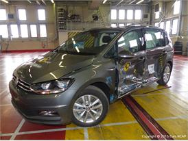 VW Touran  - Side crash test 2015