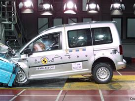 VW Caddy  - Frontal Offset Impact test 2015