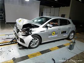 Renault Mégane  - Frontal Full Width test 2015 - after crash