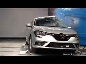 Renault Mégane  - Pole crash test 2015