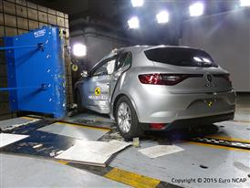 Renault Mégane - Pole crash test 2015 - after crash