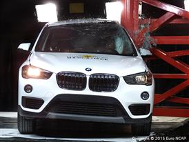 BMW X1 - Pole crash test 2015