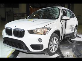 BMW X1 - Pole crash test 2015 - after crash