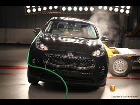 Kia Sportage  - Side crash test 2015