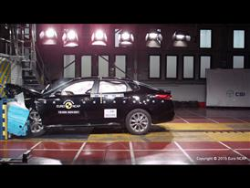 Kia Optima - Frontal Offset Impact test 2015