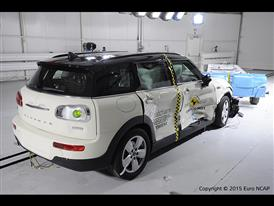 MINI Clubman-Side crash test 2015-after crash