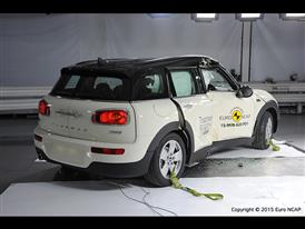 MINI Clubman-Pole crash test 2015-after crash
