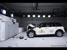 MINI Clubman-Frontal Full Width test 2015-after crash