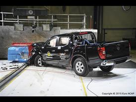 Nissan NP300 Navara- Frontal Offset Impact test 2015 - after crash