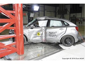Suzuki Baleno - Pole crash test 2016 - after crash