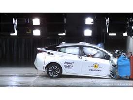 Toyota Prius - Frontal Offset Impact test 2016