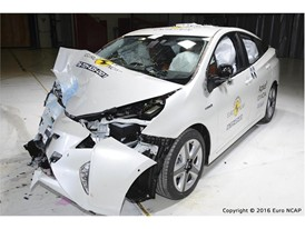 Toyota Prius - Frontal Offset Impact test 2016 - after crash