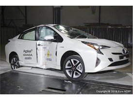 Toyota Prius - Pole crash test 2016 - after crash