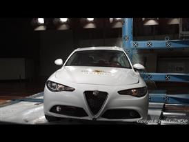 Alfa Romeo Giulia- Pole crash test 2016