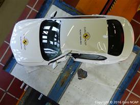 Alfa Romeo Giulia - Pole crash test 2016 - after crash
