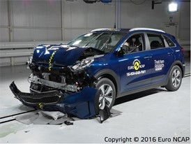 Kia Niro - Frontal Full Width test 2016 - after crash