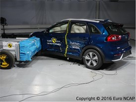 Kia Niro - Side crash test 2016 - after crash