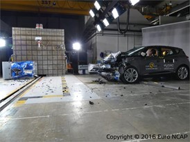 Renault Scenic - Frontal Offset Impact test 2016 - after crash