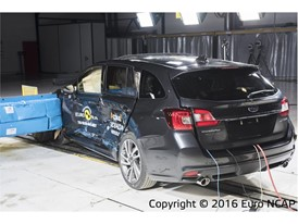 Subaru Levorg - Side crash test 2016 - after crash