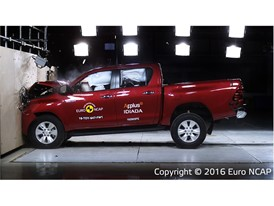 Toyota Hilux - Frontal Full Width test 2016
