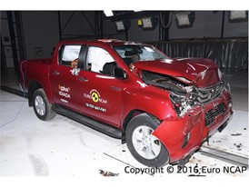 Toyota Hilux - Frontal Full Width test 2016 - after crash