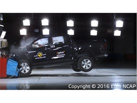 Toyota Hilux - Frontal Offset Impact test 2016