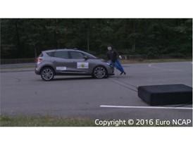 Renault Scenic - AEB Pedestrian test 2016