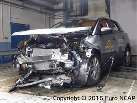 Peugeot 3008 - Frontal Full Width test 2016 - after crash