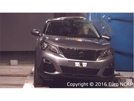 Peugeot 3008 - Pole crash test 2016