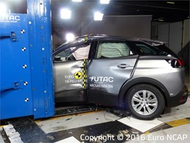 Peugeot 3008 - Pole crash test 2016 - after crash
