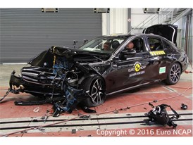 Mercedes-Benz E-Class - Frontal Offset Impact test 2016 - after crash