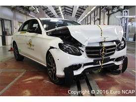 Mercedes-Benz E-Class - Frontal Full Width test 2016 - after crash
