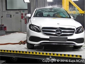 Mercedes-Benz E-Class - Pole crash test 2016