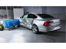 Volvo S90  - Side crash test 2017 - after crash