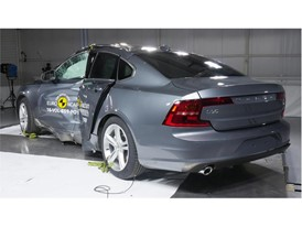 Volvo S90 - Pole crash test 2016 - after crash