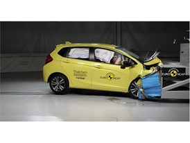 Honda Jazz 20th anniversary crash test - on crash