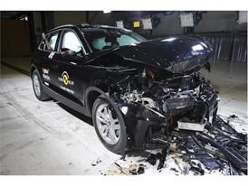 Audi Q5 - Frontal Full Width test 2017 - after crash