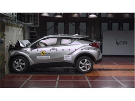 Toyota C-HR - Frontal Full Width test 2017